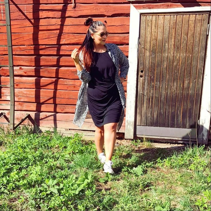 """312 Likes, 7 Comments - Miss Plus Size 2017  (@marjaana_lehtinen) on Instagram: """"Rento sunnuntai ☀️ Oon ihastunut tähän Stockan Cut&Pret malliston pitkään kauluspaitaan joka sopii…"""""""