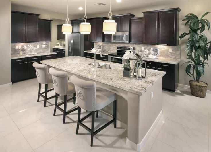 Discover many white kitchen ideas for 2018. Filter by style, size, and many features.
