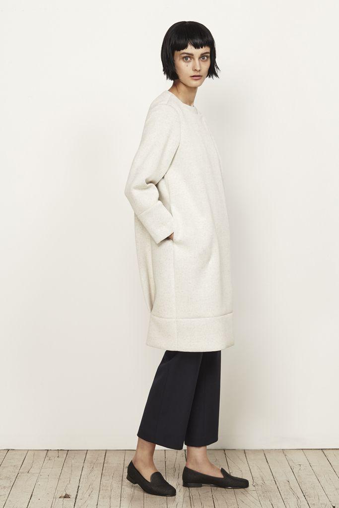 M. Martin Resort 2016 Minimal coat, cropped pants, flats.
