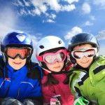 Катание на горных лыжах или сноуборде, уроки английского или французского языка по выбору, развлечения, прогулки по живописным окрестностям в Зимнем горнолыжном лагере с занятиями английским или французским языком во Франции .