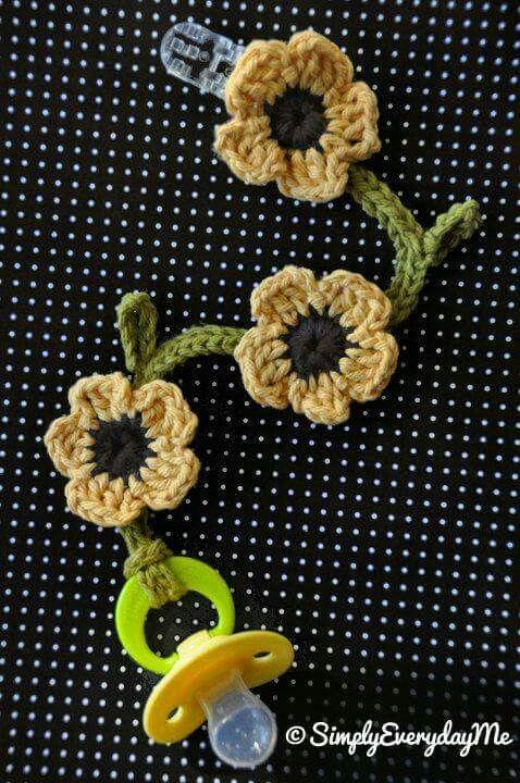 Flower chain pacifier clip crochet