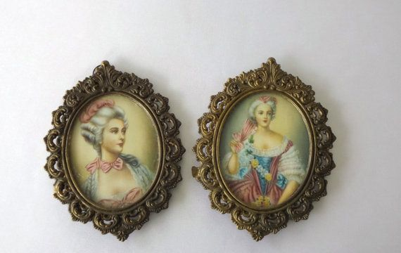 Vintage Picture Frames Ornate Oval Metal Made In Italy
