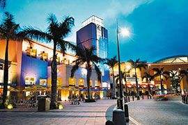 This is the Gateway Mall in Durban, South Africa and it is HUGE! (Yes Africa has malls bigger than some of ours) It's beautiful and is close to the beach <3