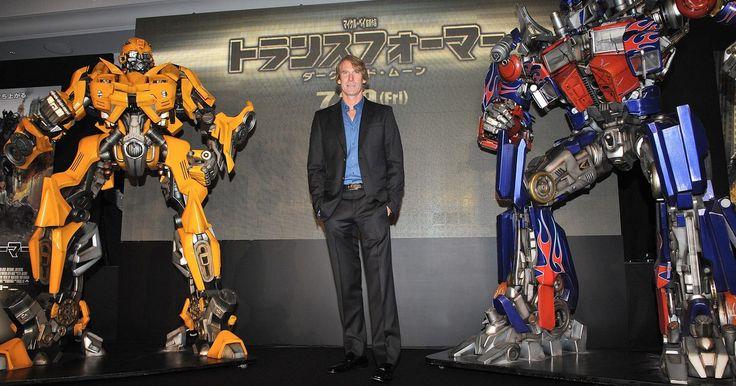 Cómo hacer un disfraz de Transformers con cartón. Los Transformers son muy populares actualmente gracias al estreno reciente de su segunda película. Si para el próximo Halloween tú o tu hijo pensaban disfrazarse de Transformers, es probable que todos se vendan de inmediato y, si tienes la suerte de encontrar uno, seguramente será muy costoso. Por fortuna, puedes hacer tu propio traje de ...