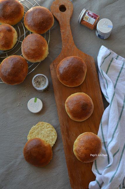 Pepi's kitchen: Ψωμάκια Brioche (Μπριός)