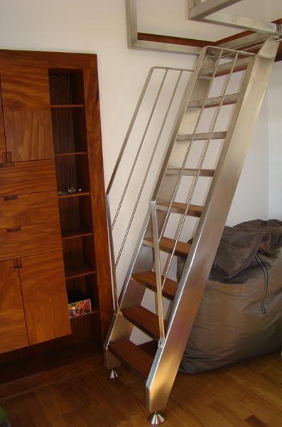 Bruno acciai scala e soppalco da interni in acciaio inox for Idee scale per soppalchi