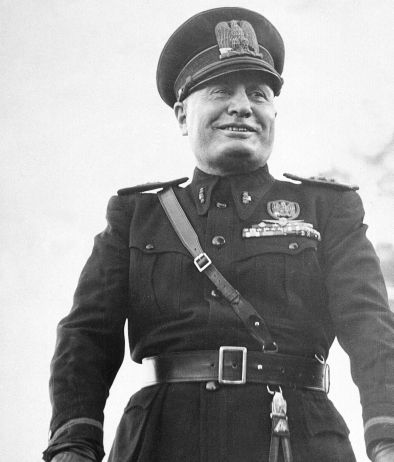"""""""Onore al Duce"""""""