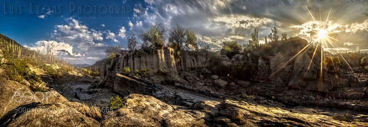 Golden Hour Rocky Creek (Luis Lyons / Tehuacán / México) #NIKON D5100 #landscape #photo #nature