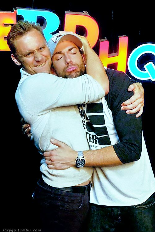 Hiddleston-Daily<<so much innocence, Zachary Levi started my interest in nerdy things.