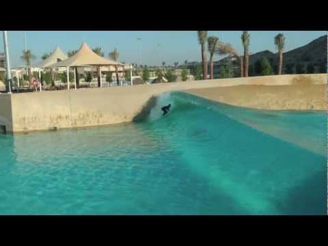 Beautiful right or left hander in Dubai, quality hydrological engineering at it's finest.