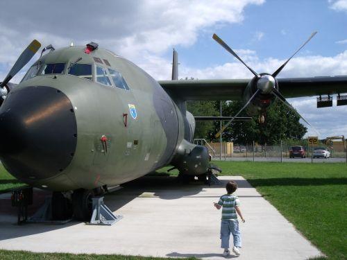 Transall auf dem Außengelände der Ju-52-Halle http://www.steinhude-am-meer.de/f5-edit/?domain=www.steinhude-am-meer.de=711=extern=detail=21930=1#