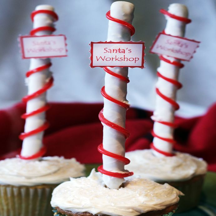 Use our Santa's Workshop Pops as a decoration on a cupcake, as edible seat assignments or as a tasty holiday treat for kids and adults alike!: Recipes Kids, Santa Workshop, Holidays Treats, For Kids, Workshop Pop, Santa Elves, Christmas Ideas, Santas Workshop, Cupcakes Rosa-Choqu