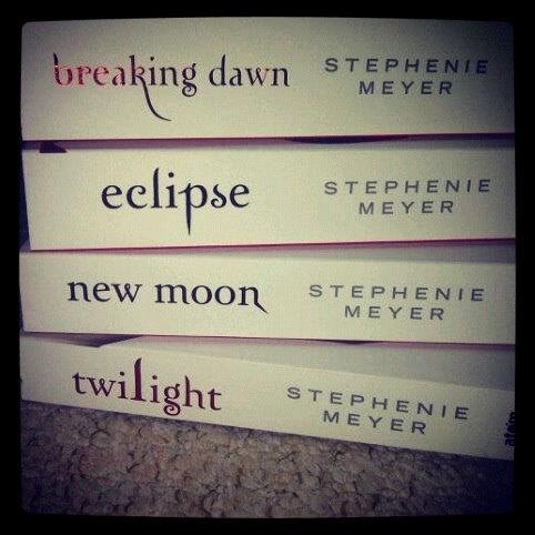 White Twilight Books <3