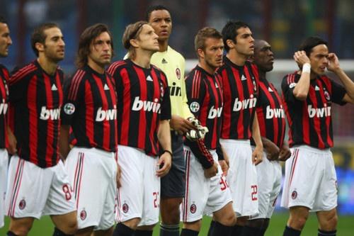 AC Milan mengawali kiprahnya di Seri A 2013-14 dengan kekalahan. Meski itu mengecewakan, Milan kini bertekad untuk langsung bangkit lewat partai lawan PSV Eindhoven #NexSoccer