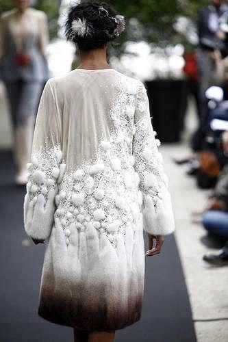 coat- crochet with fur...... ВЯЗАНИЕ С МЕХОМ... дааааааааа!!!. Комментарии : LiveInternet - Российский Сервис Онлайн-Дневников