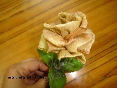 Цветы из листьев кукурузы, поделки из природных материалов