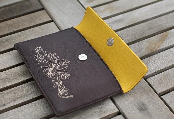 The BioLeather Kindle Case / Sleeve DeerHoney Kindle
