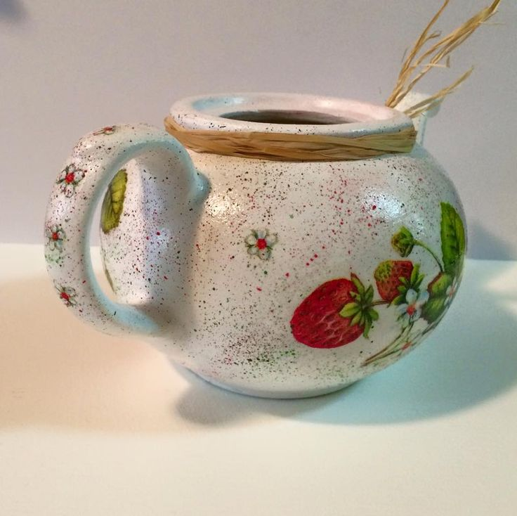 Decoupaged old tea pot, repurposed as a vase or plant pot. See more on https://www.facebook.com/CredentulVesel