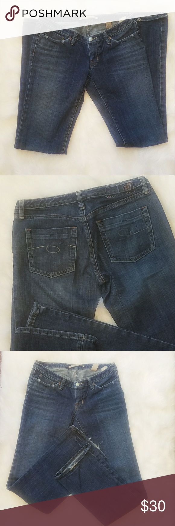 Sergio valente straight leg jeans size 27 Straight leg visual wear on The bottom of leg. 98% cotton 2%  polyurethane BUNDLE YOUR LIKES FOR A PERSONALIZED NO OBLIGATION OFFER, OR, HIT THE OFFER BUTTON AND SUBMIT YOUR OWN PERSONAL OFFER Sergio Valente Jeans Straight Leg