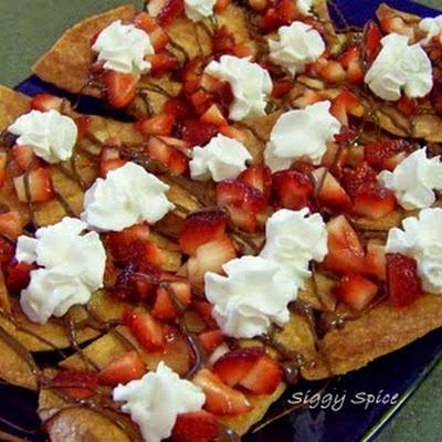 Strawberry Chocolate Nachos | Recipe | Nom, Cream and Deserts