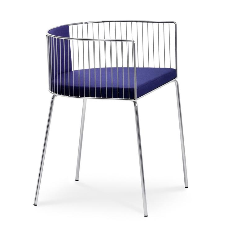 Cannuccia è una sedia disegnata da Nathalie Santin | Cannuccia is a chair designed by Nathalie Santin