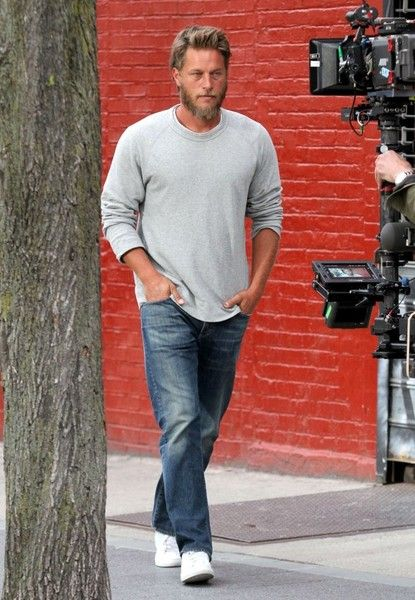 Travis Fimmel Photos Photos - Actress Lena Dunham and 'Vikings' star Travis Fimmel were seen filming a scene for their latest project, and untitled short film, in Brooklyn, New York City, New York on April 13, 2017. - Lena Dunham And Travis Fimmel Shoot A Short Film In NYC