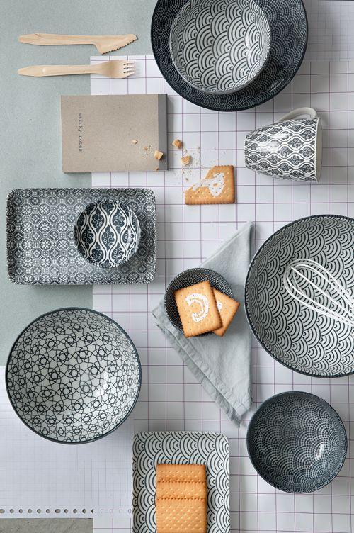 Opdrachtgever, Millermedia voor Tokyo Design Studio. Styling, Iris van der Meer. Fotografie, Peggy Janssen. Servies, tableware, ceramics, food, nippon, grey, white, still