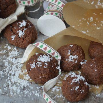 Kokosové čokohrudky (bezlepkové) - Bezlepkové veganské hrudky ke kávě nebo dětem ke kakau. Plné kokosu a čokolády
