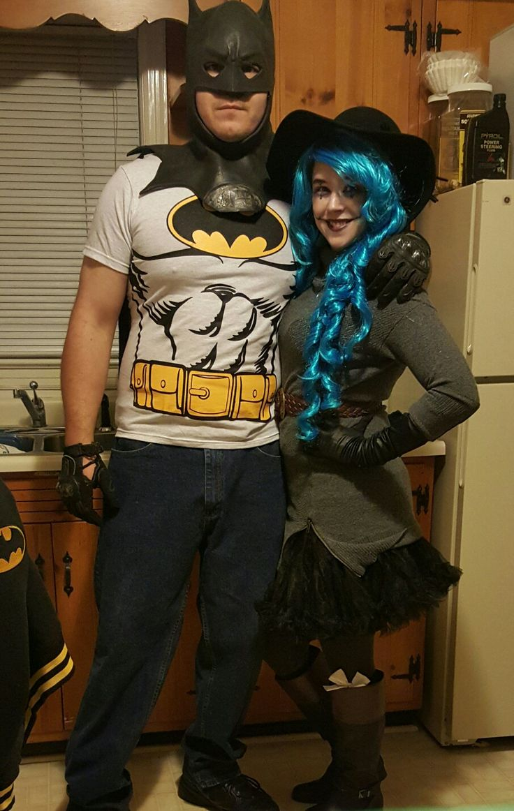 Batman in love with Harley Quinn COSplay.  Margaret Robbie eat your heart out, this Harley Quinn is not only sexier but way more dangerous and totally insaine for her Batman. Just like her Batman is insane for her!