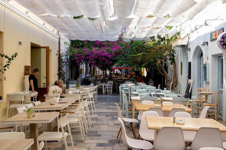 Syros : A Greek Island with Roman Influence Restaurants