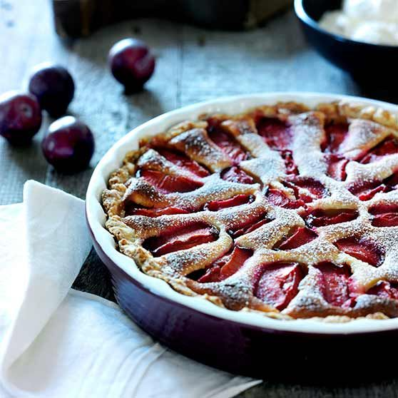 Blommetærte - Opskrifter -http://www.dansukker.dk/dk/opskrifter/blommetaerte.aspx #dansukker #opskrift #tærte #blomme #snack #kage #spis #eat