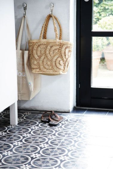 Love this mosaic floor for a kitchen floor or mudroom floor.