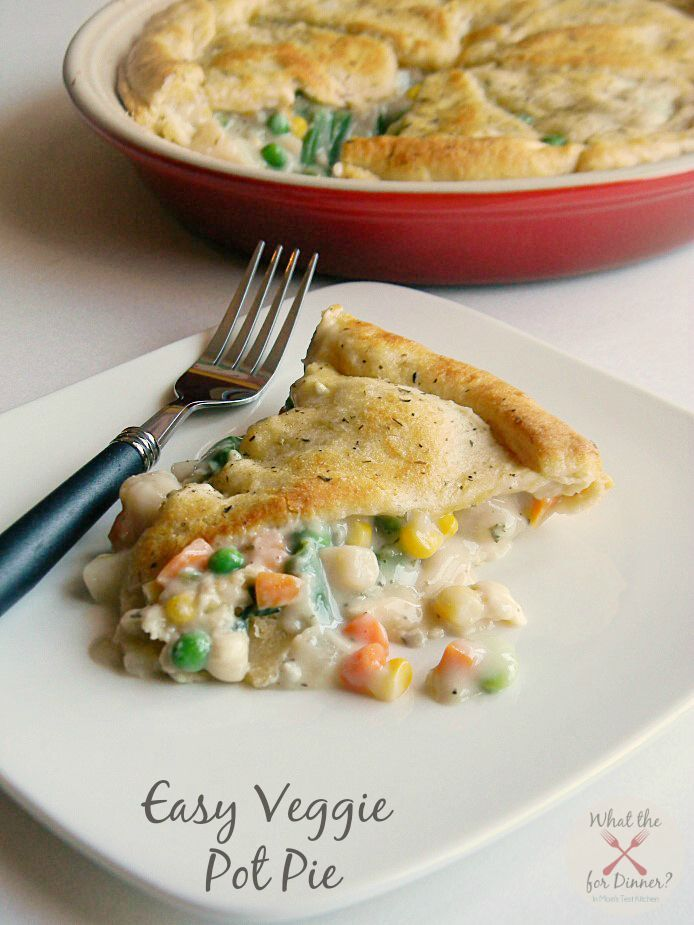 Easy Vegetable Pot Pie #PiDay - this Easy Vegetable Pot Pie can be on the table for dinner in under an hour