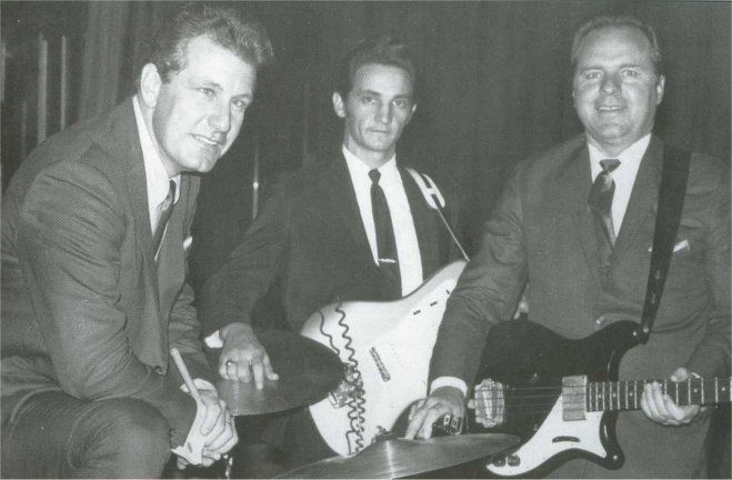 A few weeks after Luther Perkins' death, Bob Wooton became the new guitarist for the Tennessee Three.