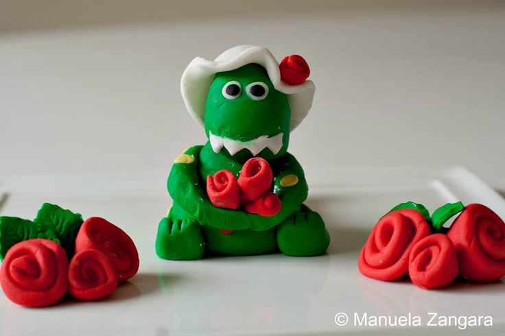 How to:  Dorothy the Dinosaur - Fondant