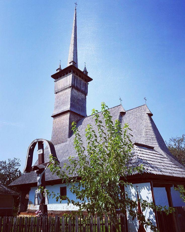 #Eternity / #Eternidad. #Lozna #Salaj #Transilvania #Transylvania #Siebenbuergen #Romania #Rumaenien #church #iglesia #kirche #wood #madera #sky #blue #churchstagram