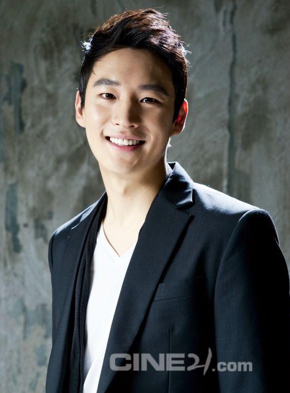Lee Ji-Hoon | Signal