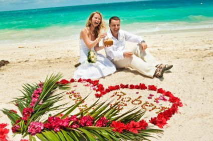 Many Destination Weddings cost UNDER $4,000! Click for Top 10 Reasons for a Destination Wedding.