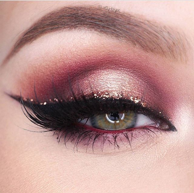 Delicate details from the stunning @katilynboyer  Get the look at home with the 35C palette.