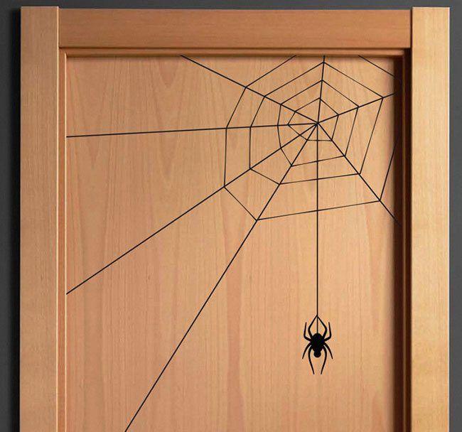 Descubre las ideas más espeluznantes para decorar tu casa con vinilos de Halloween. Será la noche más tenebrosa de todo el año...