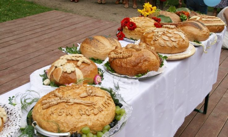Old-Slavic symbolism of bread and harvest rituals in Poland