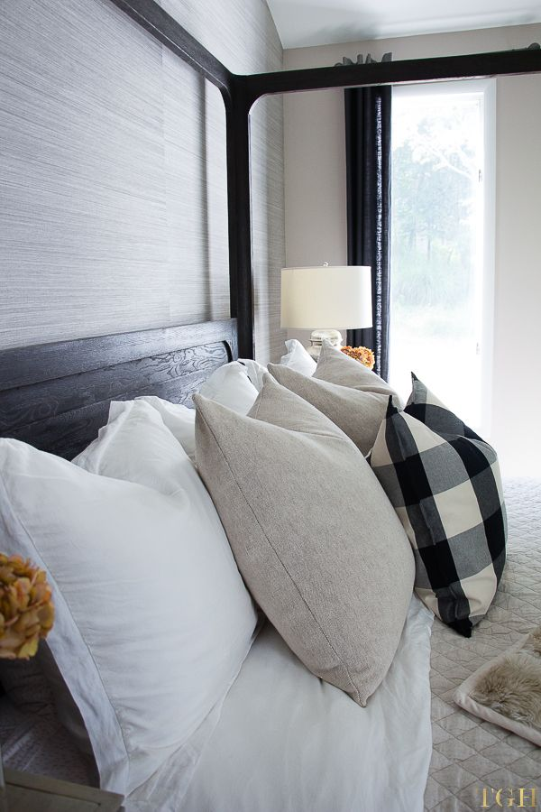 Best 25 Pillow Arrangement Ideas On Pinterest Bed