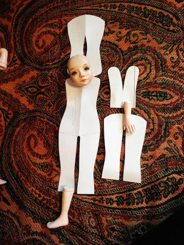 Добрый день! В первой части своей публикации я рассказала о создании заготовок головы, рук и ног для текстльной куклы-болтушки. Сегодня я хочу покать и рассказать что же было дальше. Вариантов для создания тела для такой куклы множество, основное отличие в том, что в одном случае к текстильном телу крепися только шея, в другом - из пластика сделано еще и оплечье, которое крепится с помощью отверстий в нагрудной пластине.