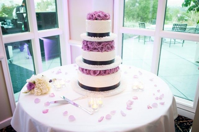 King S Hawaiian Wedding Cake Dinedelish Los Angeles Cakes