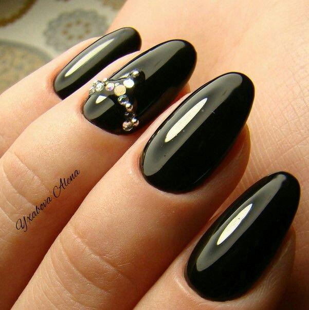 Натуральные ногти. Гель-лак. Стразы Сваровски. Natural nails. Gel nailpolish. Swarowski