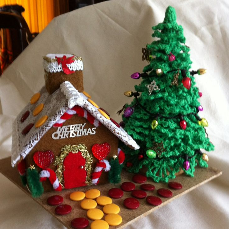 My felt gingerbread house