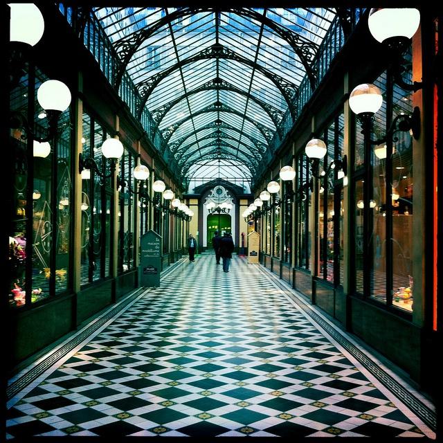 Victoria Station - London LDN.RS