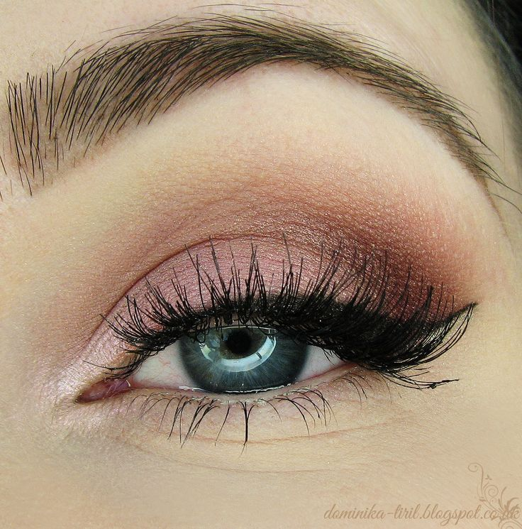 Candy - Makeup Geek Eyeshadows: ***Burlesque ***Cupcake ***Peach Smoothie ***Maybelline Color Tattoo Cream Eyeshadows