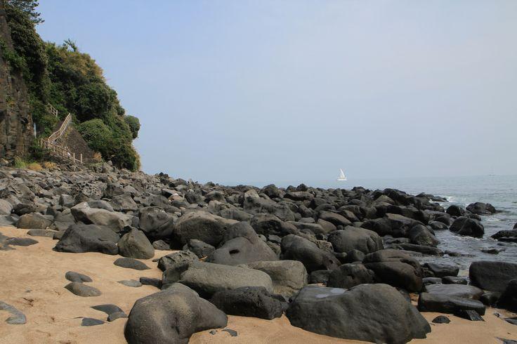 #Corée du Sud : Sur l'île de #Jeju, #Jungmum : la plage cachée #Seogwipo
