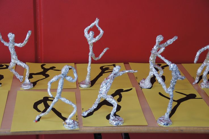 tin foil figures with shadow... Absolutely love this idea